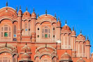 Facade of the Hawa Mahal, Palace of the Winds, Jaipurの写真素材 [FYI02340183]
