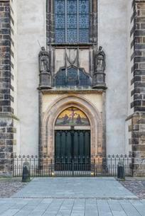 Thesis door at the castle church, Luther city Wittenbergの写真素材 [FYI02340208]