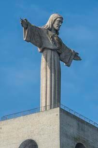 Cristo Rei statue, Almada, Lisbon, Lisbon District, Lisboaの写真素材 [FYI02340236]