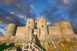 Medieval Harlech Castle, built in 1282, UNESCO Worldの写真素材 [FYI02340248]