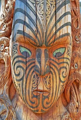 Maori totem, living Maori cultural centre Te Puia, Rotoruaの写真素材 [FYI02340309]