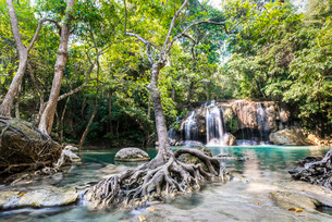 Waterfall in Erawan National Park, Kanchanaburi Provinceの写真素材 [FYI02340315]