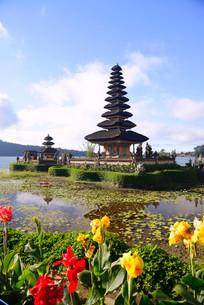 Pura Ulun Danu Bratan Temple or Pura Bratan Temple, in Lakeの写真素材 [FYI02340356]