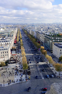 Views of La Defense and the Avenue des Champs-Elysees, theの写真素材 [FYI02340367]