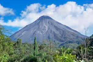 Arenal Volcano, Arenal Volcano National Park, La Fortunaの写真素材 [FYI02340477]