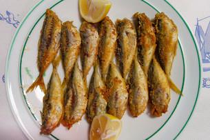 Hamsi, fried anchovies, Black Sea Region, Turkey, Asiaの写真素材 [FYI02340498]