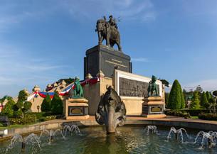 King Rama I Monument, elephant, roundabout, Buri Ramの写真素材 [FYI02340517]