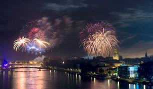 Fireworks during the Seenachtfest Festival, Konstanzの写真素材 [FYI02340625]