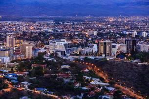 City, Windhoek, Dawn, Namibia, Africaの写真素材 [FYI02340644]