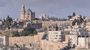Old City of Jerusalem and the city wall, Dormotio Churchの写真素材 [FYI02340822]