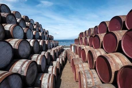 Whisky barrels, Islay, Inner Hebrides, Scotland, Unitedの写真素材 [FYI02340835]