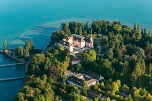 Aerial view, Mainau Island, castle, Lake Constanceの写真素材 [FYI02340887]