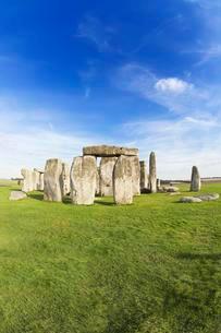 Stonehenge monument, Salisbury Plain, Wiltshire, Englandの写真素材 [FYI02340900]