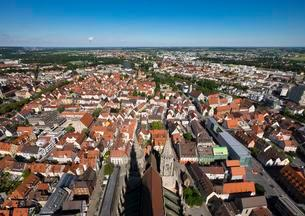 View from Ulm Minster of the eastern city center andの写真素材 [FYI02340929]