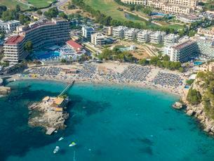 Aerial photograph, view of bay of Camp de Mar, beachの写真素材 [FYI02340958]