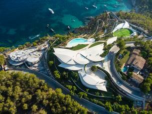 Aerial photograph, luxury villa, Bay of Camp de Marの写真素材 [FYI02341008]