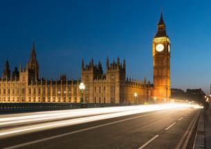 Big Ben and Houses of Parliament, Westminster Bridgeの写真素材 [FYI02341011]
