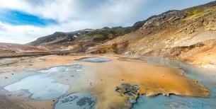 Steaming ground, Seltun geothermal area, Krysuvikの写真素材 [FYI02341031]