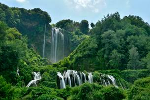 Man-made waterfall, Marmore Waterfalls, Cascate delleの写真素材 [FYI02341191]