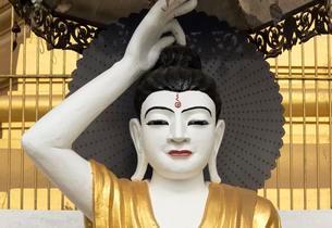 Deity statue, Uzina Pagoda, U Zina Paya, Mawlamyine orの写真素材 [FYI02341196]