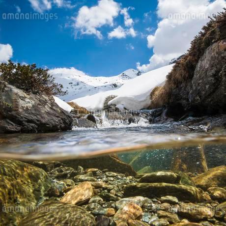 Snow landscape with Mount Seeblesspitze, below underwaterの写真素材 [FYI02341230]