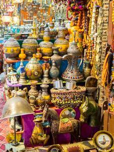 Stall in oriental market, Muttrah Souq, Muttrah, Muscatの写真素材 [FYI02341258]
