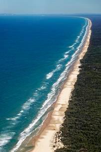 Aerial view 75 Mile Beach Road, official Highway, UNESCOの写真素材 [FYI02341317]