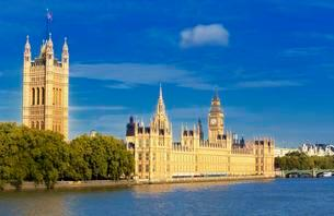 Big Ben, Houses of Parliament and River Thames, Londonの写真素材 [FYI02341394]
