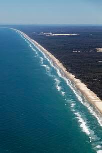 Aerial view 75 Mile Beach Road, official Highway, UNESCOの写真素材 [FYI02341405]