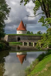 Bishop's castle defence tower, Kuressaare, Saaremaaの写真素材 [FYI02341428]