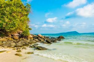 Idyllic sandy beach with rocks, turquoise water, Koh Tuiの写真素材 [FYI02341593]