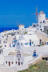 White village, Oia village, Oia, Santorini, Cycladesの写真素材 [FYI02341630]