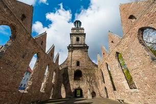 Church ruins, Aegidienkirche, Hanover, Lower Saxonyの写真素材 [FYI02341834]