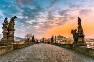 Moldova, Charles Bridge, St. Vitus Cathedral, Pragueの写真素材 [FYI02341859]