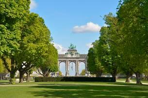 Arch, Jubilee Park, Parc du Cinquantenaire, Brusselsの写真素材 [FYI02341891]