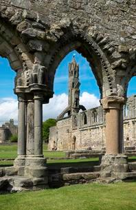 Ruins of St Andrews Cathedral, St Andrews, Fife, Scotlandの写真素材 [FYI02342006]