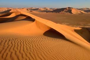 Sanddunes in the Rub al Khali desert, Dhofar, Oman, Asiaの写真素材 [FYI02342082]