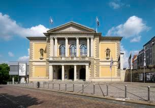 Opera House, Halle an der Saale, Saxony-Anhalt, Germanyの写真素材 [FYI02342088]