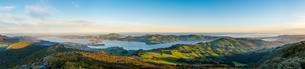 View from Mount Cargill Dunedin with Otago Harbor and Otagoの写真素材 [FYI02342187]