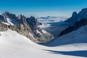 Ride with Telecabine Panoramic Mont-Blanc, glacierの写真素材 [FYI02342216]