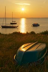 Fishermen and sailboats, Hiddensee, Mecklenburg-Westernの写真素材 [FYI02342224]