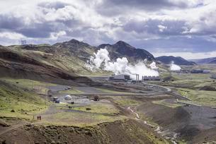 View of the Hellisheioi power plant, Hengill volcanoの写真素材 [FYI02342397]