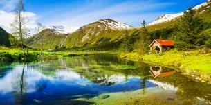 Lake Dalevatnet, Sogn og Fjordane, Norway, Europeの写真素材 [FYI02342401]