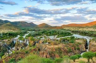 Epupa Falls, Kunene, Kunene Region, Namibia, Africaの写真素材 [FYI02342583]