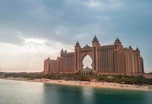 Hotel Atlantis The Palm, Palm Jumeirah, Dubai, United Arabの写真素材 [FYI02342635]