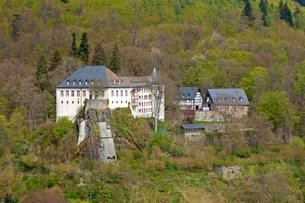 Castle and youth hostel, Bilstein, Sauerland, Northの写真素材 [FYI02342689]