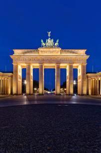 Brandenburg Gate, Berlin, Germany, Europeの写真素材 [FYI02342704]