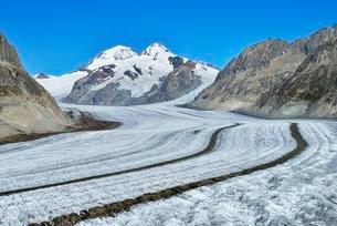 Great Aletsch Glacier, the mountains Eiger, Monch andの写真素材 [FYI02342736]