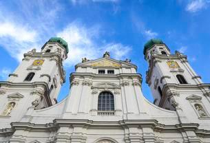 West facade, St. Stephen's Cathedral, Passau, Lowerの写真素材 [FYI02342737]