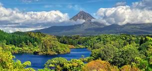 Jungle forest with lake Lake Mangammahoe and volcano Mountの写真素材 [FYI02342780]